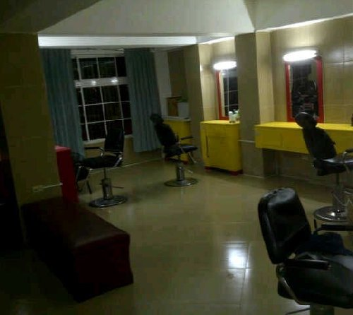 Barber/Hair Dresser Stations For Rent