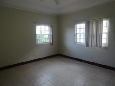 3 BEDROOM IN GATED COMMUNITY