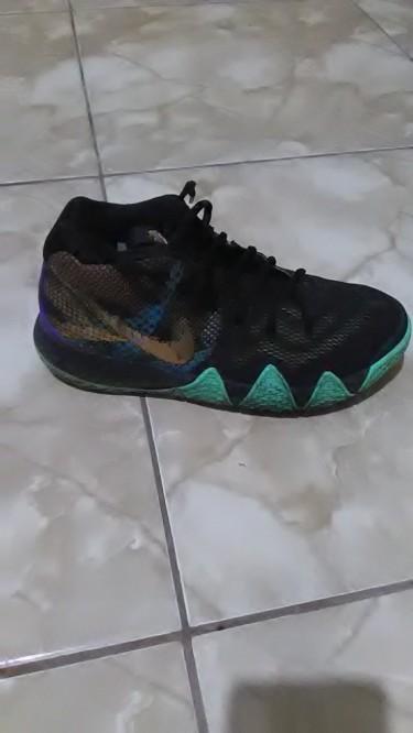 Nike Kyrie 4 'Mamba Mentality' Black/Sonic Yellow
