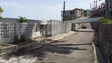 QUEENS DRIVE.....4 BEDROOM 4 BATH HOUSE FOR SALE