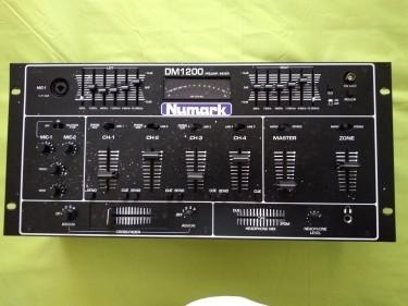 Numark Preamp Mixer