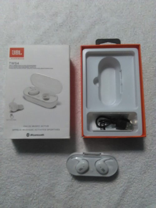 JBL Ear Bud With Touch Sensors