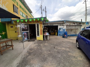 111C Red Hills Rd- Commercial Property