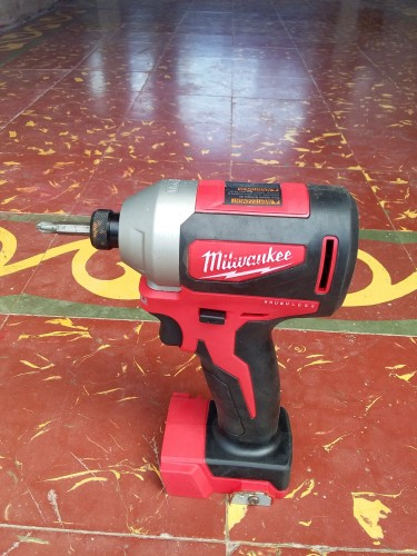 Milwaukee Hex Impact Driver 1/4 Inch