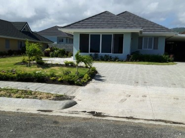 3 BEDROOM 2 BATH UNFURNISHED IN GATED COMMUNITY