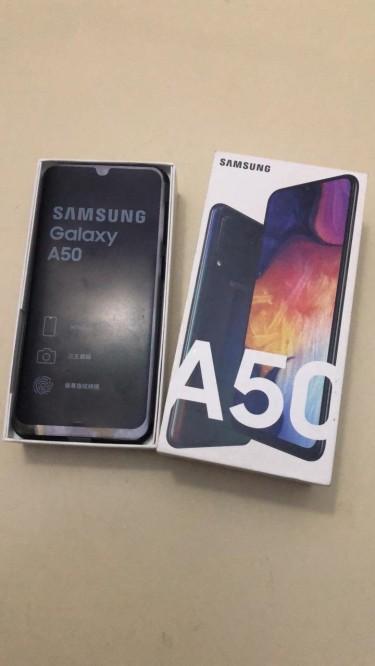 SAMSUNG A50 128GIG STORAGE