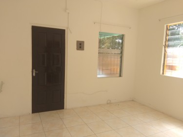 2 Bedroom House Off  Molynes Road