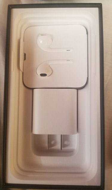 IPHONE 11 PRO 64GIG , ROSE GOLD BRAND NEW IN BOX