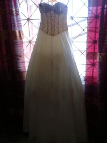 Cream/Beige Colour Wedding Dress (size 5/6)