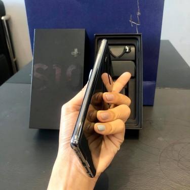 Samsung Galaxy S10+@WhatsApp : +1(678)926-8639