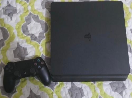Used PS4 Slim