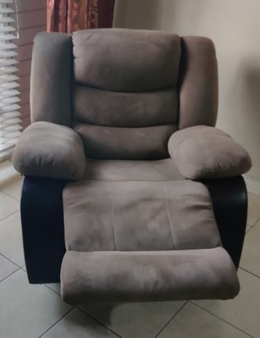 Island Home Rocker Recliner/ Cleo/Coffee For Sale