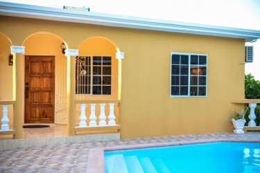 Luxury Apt 1 Bedroom 1 Bath- Completely Furnished