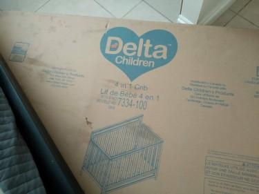 Crib 4 In 1 + Crib Mattress
