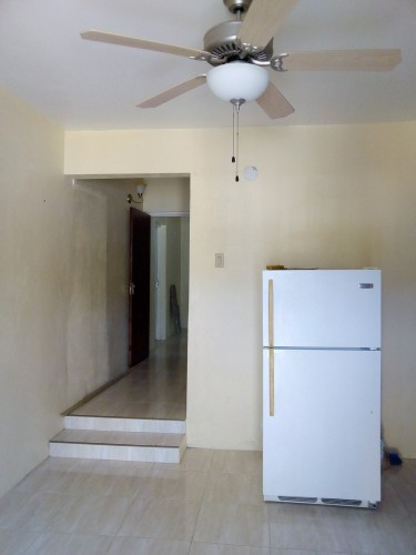 Cozy 1 Bedroom Small Side For Rent