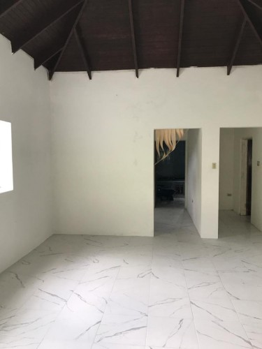 6 Bedroom Townhouse Available