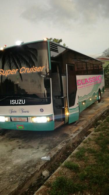 2000 ISUZU COACH Buses Mandeville