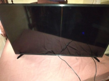 49 Inch Samsung Smart TV