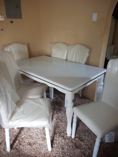 6 Seater Dining Table Bought In Dubai