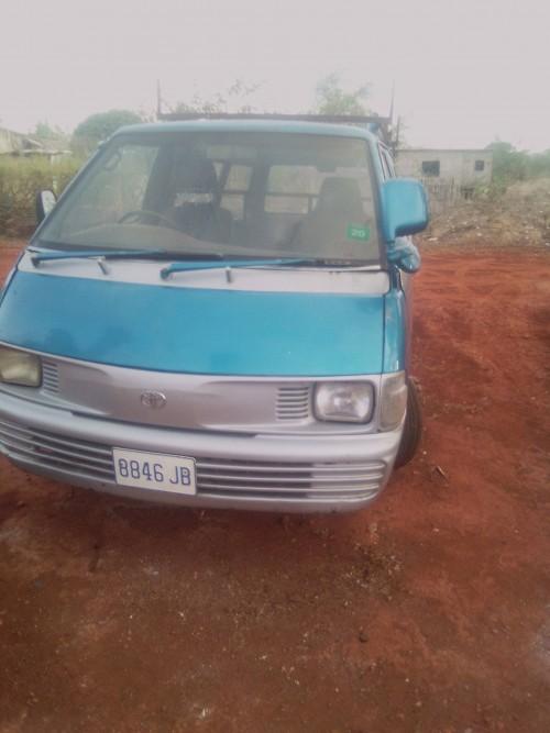 1992 Toyota Liteace. 784-9110. $240k Negotiable.