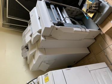 Xerox 252 Docucolour With Light Finisher