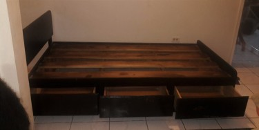 Solid Wood Twin Bed Base With Storage Drawers