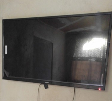 Aiwa 42 Inch Smart Tv