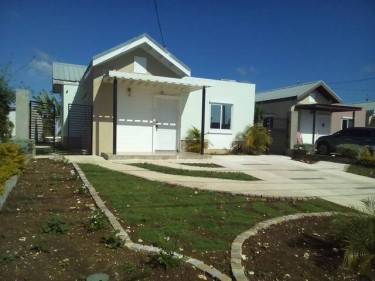 2 Bedroom House  Houses Meadows Of Irwin,Montego Bay