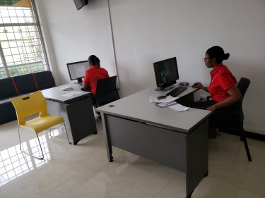 Work Station Within Furnished Office For Rent