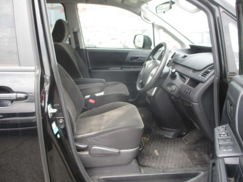 2011 Toyota Voxy