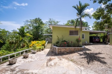3 Bedroom Family Home + 0.7 Acres Of Lush Land Houses Exchange
