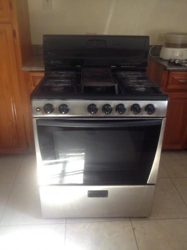 Used 6 Burner Gas Stove