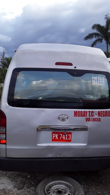 Toyota Hiace High Top Spongebob (without Engine)
