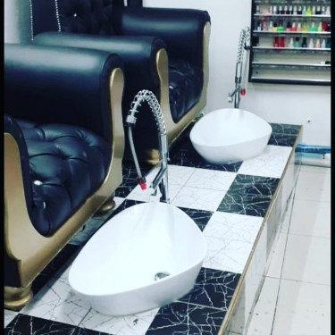 Hair And Nails Station For Rent.