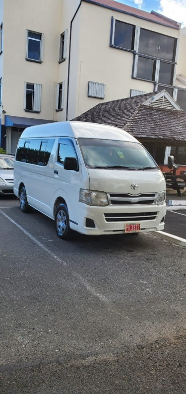 2012 12 Seater Toyota Hiace