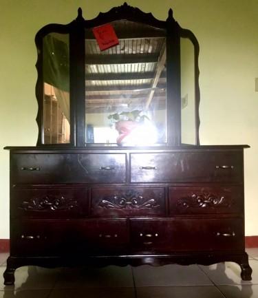 Adjustable 3 Mirror 7 Drawer Dresser