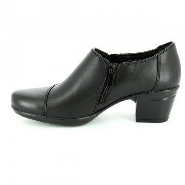 Clarks Leather Shoes For Women - Size 9