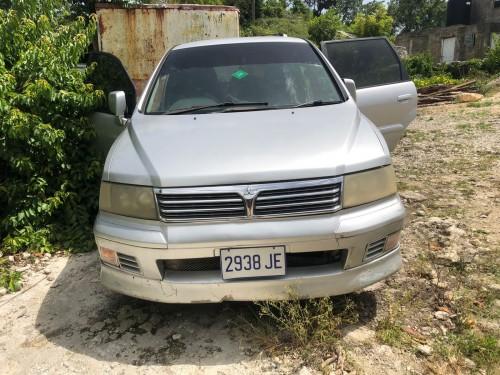 2000 Mitsubishi Grandis
