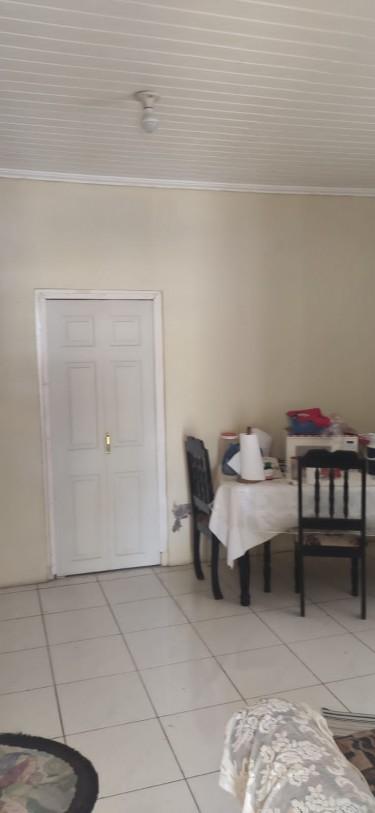4 Bedrooms (2 Family House) - Kingston