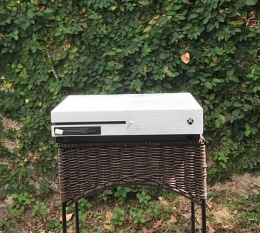 Xbox One S - High Performance