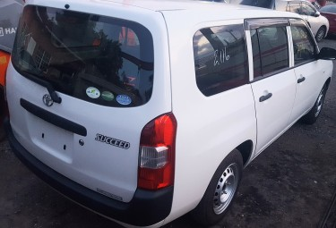 2016 Toyota Succeed For Sale