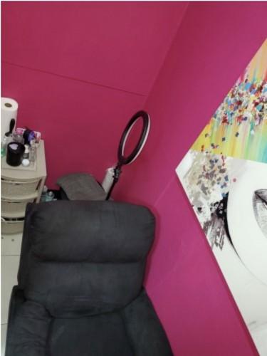 LASH ROOM FOR RENT