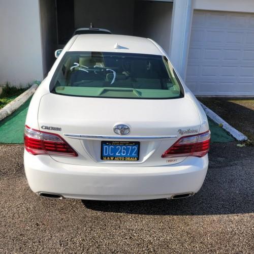 2012 Toyota Crown