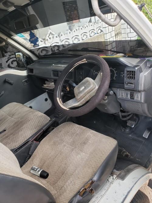 1998 Mitsubishi L300