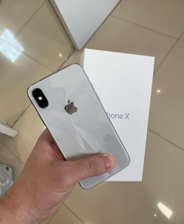 Brand New IPhone X (clean)