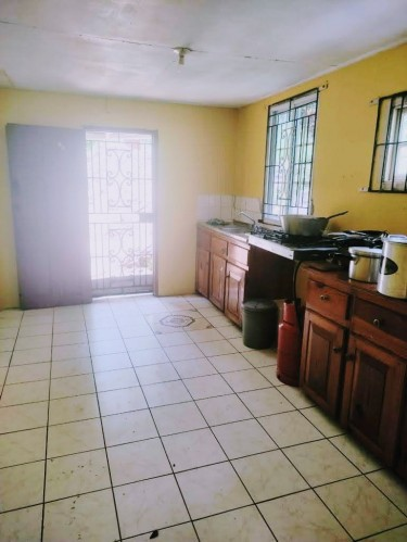4 Bedroom House With Storeroom Porus Manchester