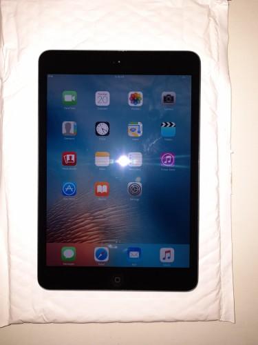 Apple IPad Mini 16GB Slate Model A1432 Tablet