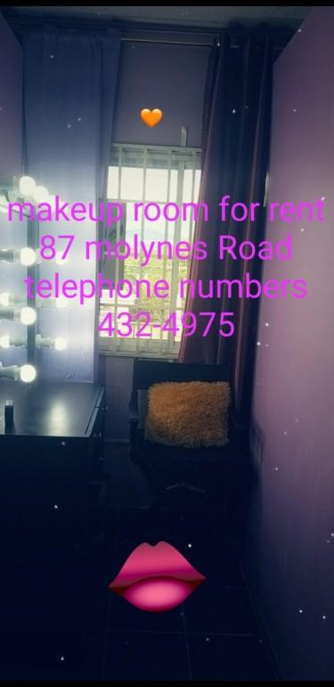 Make_up Room
