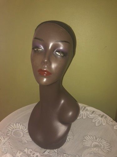 Mannequin With Shoulders Suitable For Wig Display.