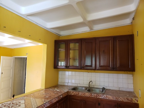 3 Bedroom Bathroom,living,kitchen And Dining